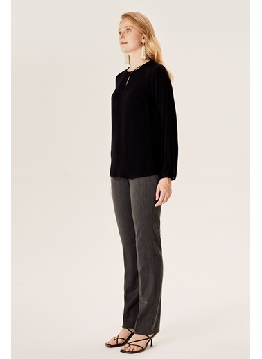 NaraMaxx Nevürlü Yaka Detaylı Bluz Siyah
